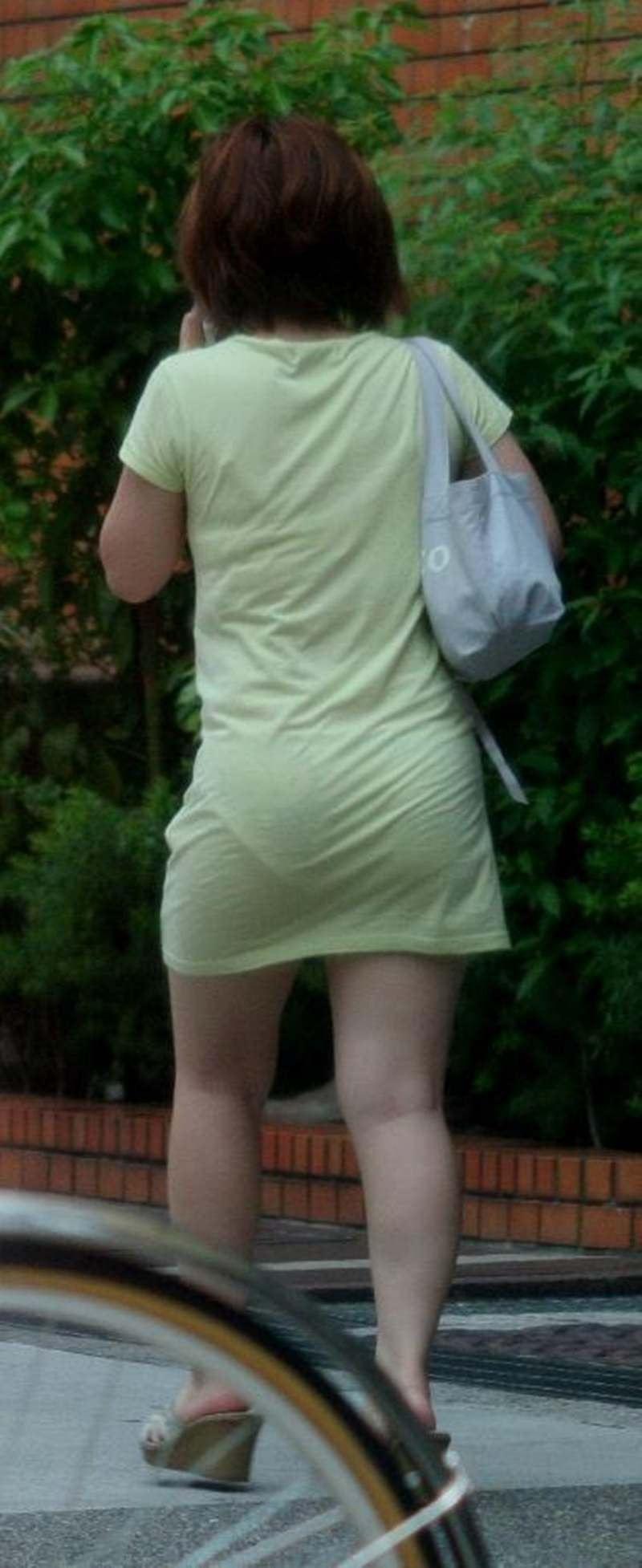 【スエットワンピエロ画像】スエットワンピを着てるヤンママやコンビニで買い物してるJDの透けパン盗撮したり電マで着衣調教しちゃった陶とワンピのエロ画像集ww【80枚】 23