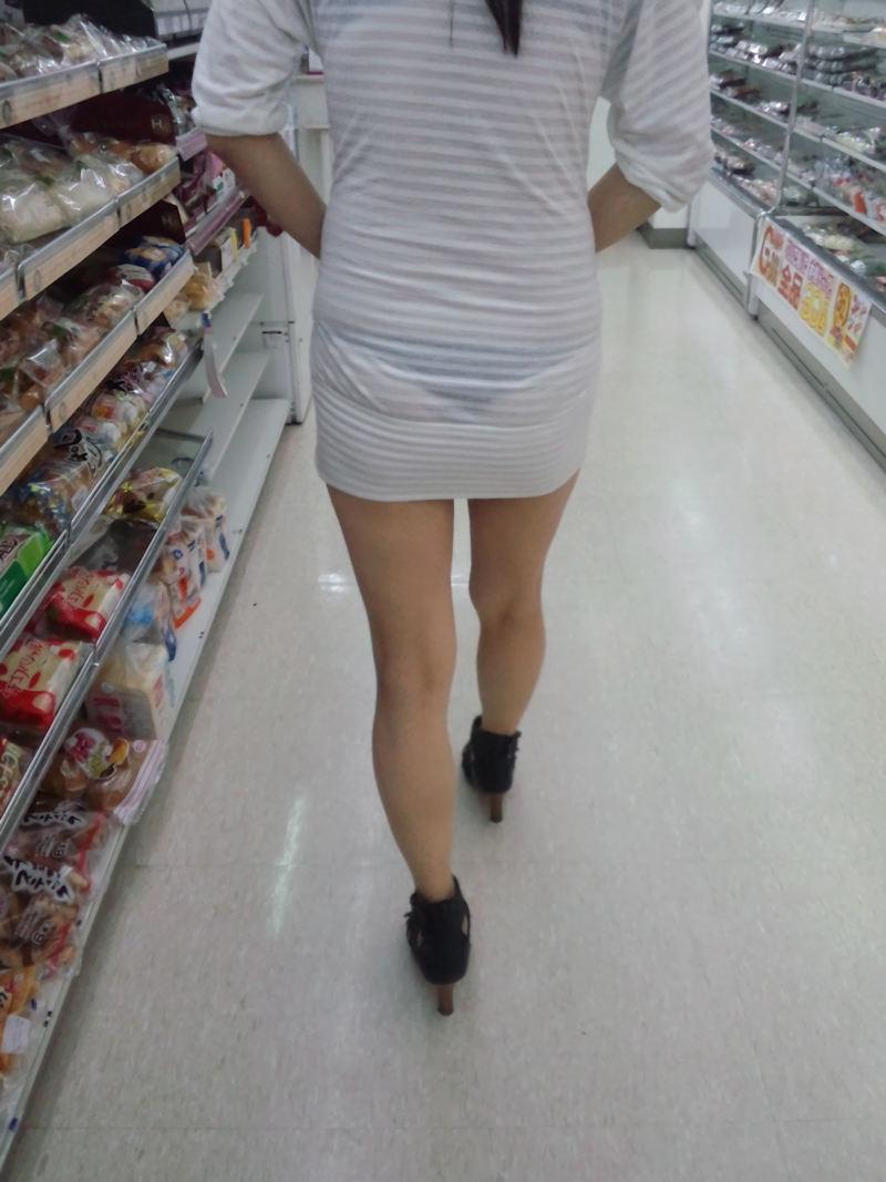 【スエットワンピエロ画像】スエットワンピを着てるヤンママやコンビニで買い物してるJDの透けパン盗撮したり電マで着衣調教しちゃった陶とワンピのエロ画像集ww【80枚】 32