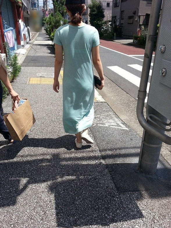 【スエットワンピエロ画像】スエットワンピを着てるヤンママやコンビニで買い物してるJDの透けパン盗撮したり電マで着衣調教しちゃった陶とワンピのエロ画像集ww【80枚】 68
