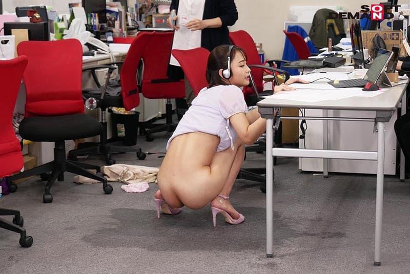 【放尿エロ画像】ロリな美少女が赤面でお漏らしさせられたりビッチギャルが電マでガチイキしておしっこを潮吹きしてる放尿エロ画像集!ww【80枚】 10