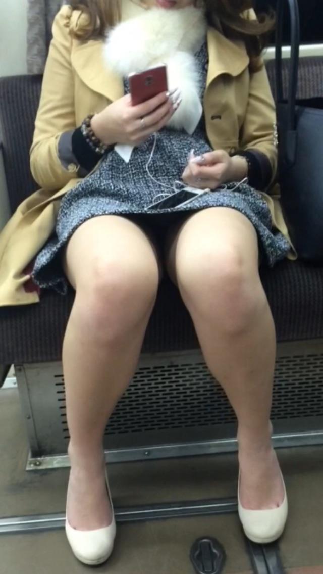 【ミニスカパンチラエロ画像】素人のミニスカお姉さんのパンチラを階段下や街中で盗撮したったミニスカパンチラのエロ画像集!ww【80枚】 14