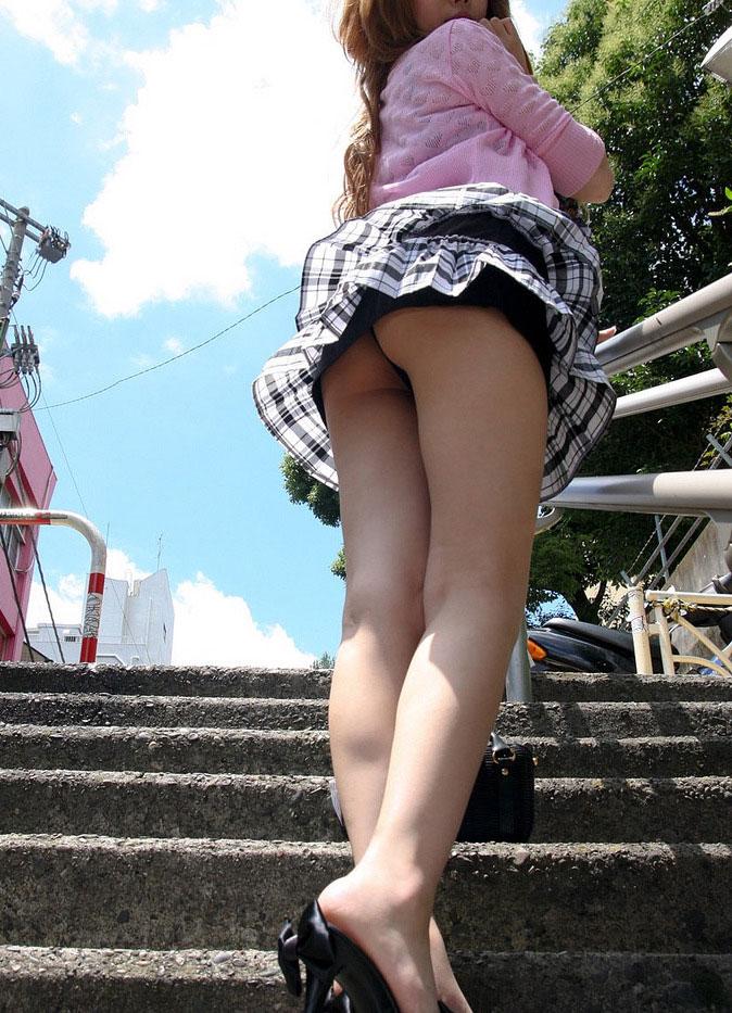 【ミニスカパンチラエロ画像】素人のミニスカお姉さんのパンチラを階段下や街中で盗撮したったミニスカパンチラのエロ画像集!ww【80枚】 68