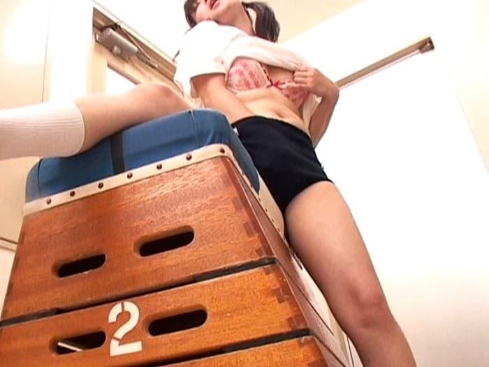 【体育倉庫エロ画像】体育道具を保管するのとロリJKと隠れてセックスする用に存在する体育倉庫のエロ画像集ww【80枚】 28
