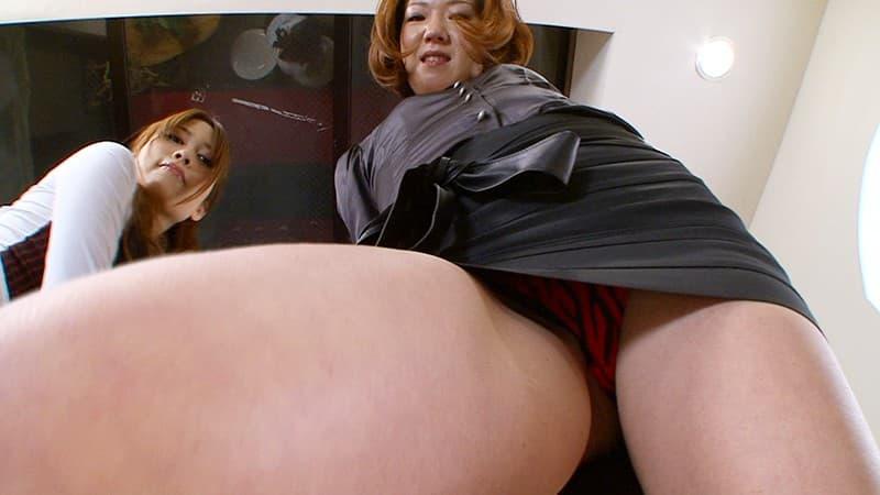 【スリットエロ画像】スカートのスリットから覗くお姉さんの美脚がエロ過ぎる!着衣のまま太ももを舐めまくりたくなるスリットのエロ画像集!ww【80枚】 40