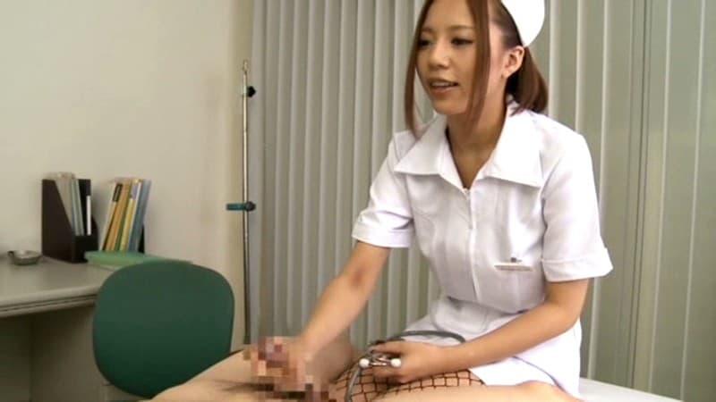 【ナースエロ画像】激務で欲求不満状態の看護婦産の白衣をめくってパンスト破りでクンニしまくったナースのエロ画像集!ww【80枚】 22