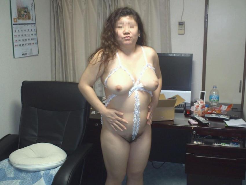 【巨乳人妻エロ画像】超わがままボディの巨乳人妻ならちょっとぐらいブスでもOK!wwエロボディ過ぎる巨乳人妻のエロ画像集ww【80枚】 17