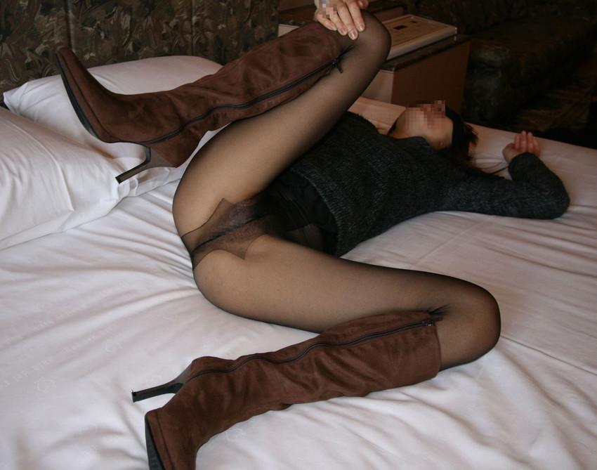 【ノーパンパンストエロ画像】スーツOLのお姉さんのタイトスカートをめくったら陰毛丸見えノーパンパンスト!!痴女とセックスしちゃったノーパンパンストのエロ画像週ww【80枚】 24