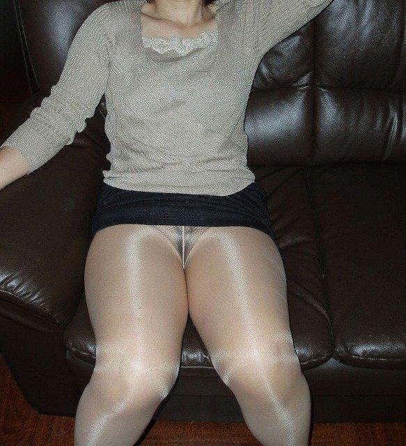 【ノーパンパンストエロ画像】スーツOLのお姉さんのタイトスカートをめくったら陰毛丸見えノーパンパンスト!!痴女とセックスしちゃったノーパンパンストのエロ画像週ww【80枚】 67