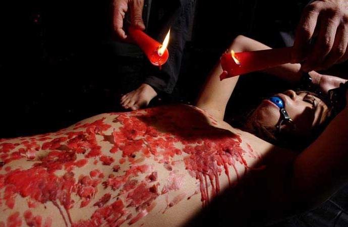 【蝋責めエロ画像】蝋燭(ローソク)責めで生意気娘を緊縛状態でアチアチ調教したった蝋責めのエロ画像集ww【80枚】 24