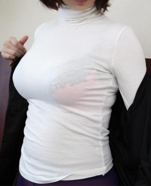 【着衣巨乳エロ画像】服着て歩いてるだけで反則レベルにエロい着衣巨乳の爆乳娘たち!!谷間やセーターがキツキツになってる素人娘たちの着衣巨乳のエロ画像集ww【80枚】 31
