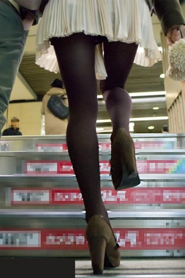 【駅パンチラエロ画像】ミニスカギャルや制服JK達が階段でパンチラしてくれるから毎日頑張れる!駅パンチラを盗撮したエロ画像集ww【80枚】 58