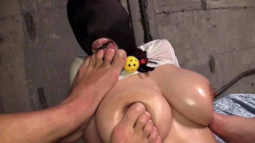 【足舐めエロ画像】フェラ上級者のビッチなお姉さんが足舐めご奉仕ww足指の隙間にもベロを突っ込んでくれてる足舐めのエロ画像集!w【80枚】 26