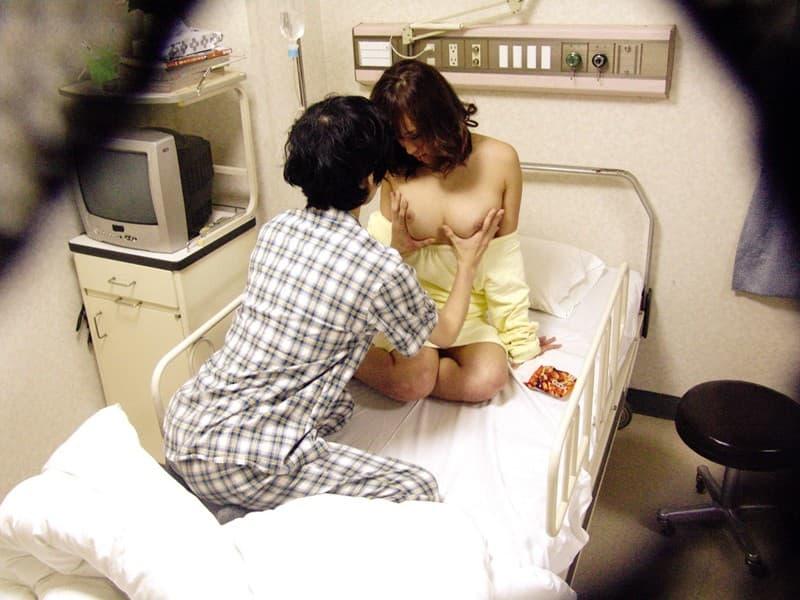 【病室セックスエロ画像】夜勤中の痴女ナースや欲求不満な患者さん、見舞客の変態お姉さん達が病室のベッドで騎乗位ピストンしちゃってる病室セックスのエロ画像集!w【80枚】 18