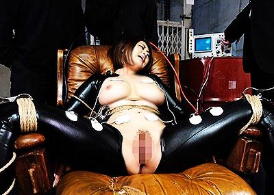 【女捜査官エロ画像】巨乳で美人な女捜査官を拉致監禁して輪姦する犯人たちwwイラマチオや電マ調教で潮吹きアクメさせられる女捜査官のエロ画像集w【80枚】