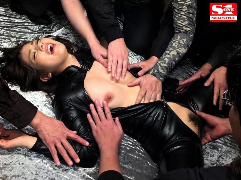 【女捜査官エロ画像】巨乳で美人な女捜査官を拉致監禁して輪姦する犯人たちwwイラマチオや電マ調教で潮吹きアクメさせられる女捜査官のエロ画像集w【80枚】 56