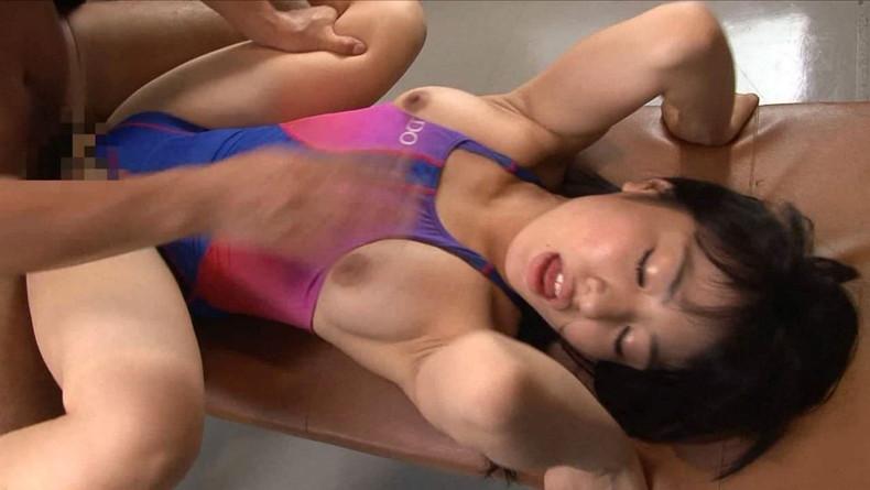 【競泳水着セックスエロ画像】エロすぎるピタコス競泳水着で美女達とガチセックスww巨乳や美尻をハミ出させて調教しまくった競泳水着セックスのエロ画像集ww【80枚】 80