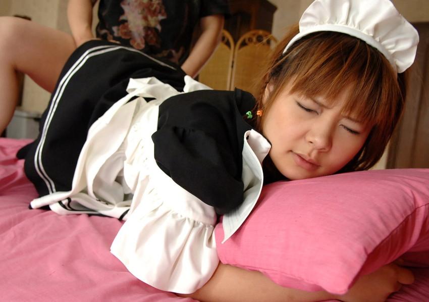 【メイド服エロ画像】童顔美少女にはメイド服でコスプレさせて貧乳吸ってちんぽを挿入wwガーターベルトを装着させて足コキさせたいメイド服のエロ画像集w【80枚】 64