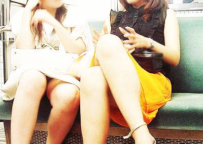 【電車パンチラエロ画像】通勤通学の嫌な気分を払拭してくれるスーツの就活生やOL、制服JK達の電車パンチラエロ画像集w【80枚】