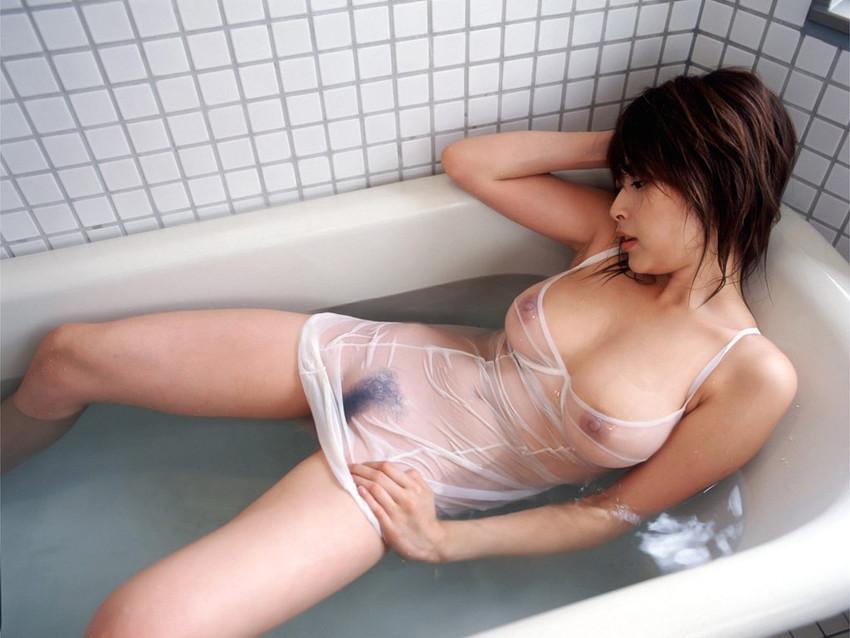 【キャミソールエロ画像】キャミソールの激カワ娘が胸チラしたりノーブラで胸ポチしてる姿が最高にエロすぎるキャミソールのエロ画像集ww【80枚】 14