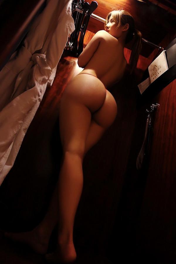 【豊満尻エロ画像】むっちりボディの美少女や若妻たちが顔面ブチ込みたくなる肉感バッチリのデカケツで誘惑してくれてる豊満尻のエロ画像集ww【80枚】 37