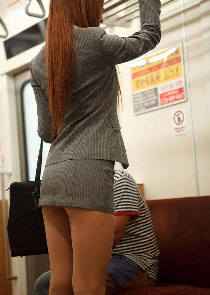 【タイトスカートエロ画像】パンチラやパンティーライン丸見えのタイトスカートお姉さんと足コキや顔面騎乗位クンニしちゃったタイトスカートのエロ画像集w【80枚】 53