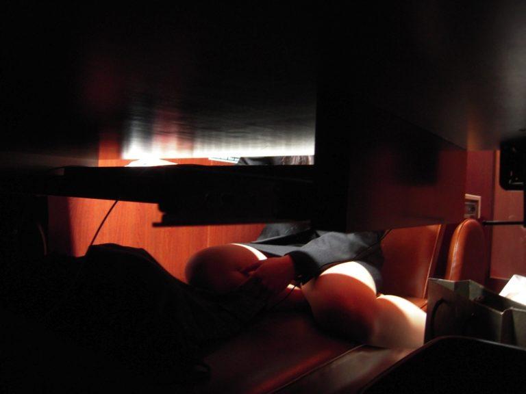 【ネカフェオナニーエロ画像】ネットカフェをオナニーの聖地にしてる素人JKや若妻、OLたちの自慰を盗撮したったネカフェオナニーのエロ画像集w【80枚】 33