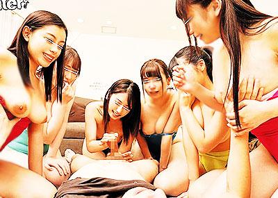 【競泳水着セックスエロ画像】パツパツで胸ポチやまんすじ食い込み必至な競泳水着でコスプレHを堪能している競泳水着セックスのエロ画像集ww【80枚】