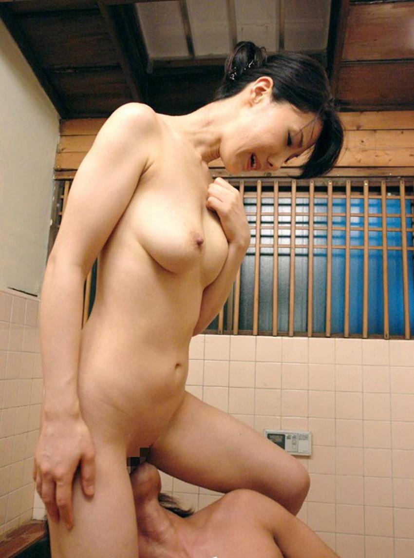 【クンニリングスエロ画像】S級お姉さんの美マンを一晩中舐めていたくなるクンニリングスのエロ画像集ww【80枚】 60
