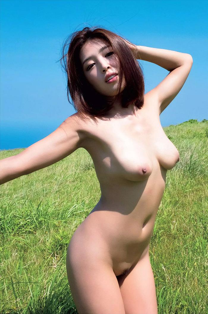 【ヘアヌードエロ画像】美女たちの剛毛まんこや薄毛の美マンが堪能できるヘアヌードのエロ画像集!ww【80枚】 33