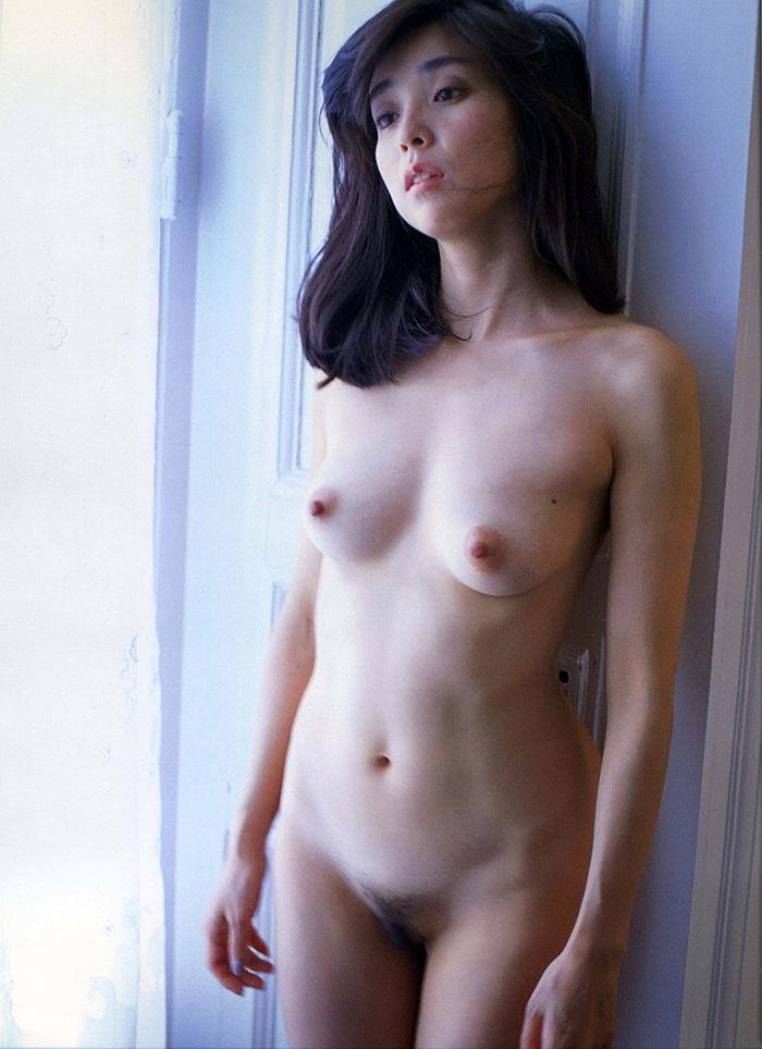 【ヘアヌードエロ画像】美女たちの剛毛まんこや薄毛の美マンが堪能できるヘアヌードのエロ画像集!ww【80枚】 80