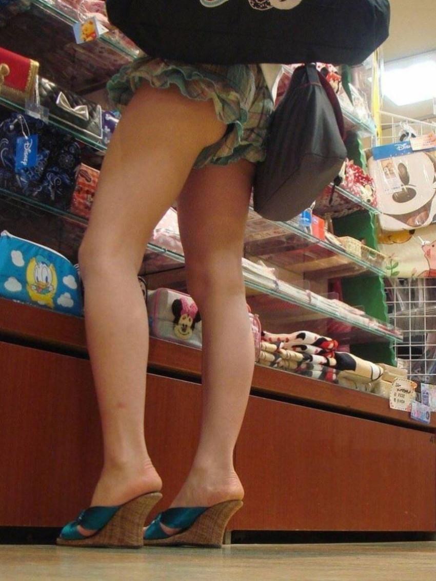 【ショーパンパンチラエロ画像】ショーパンだからパンチラしないと思ってる無防備な素人女子がパンティー見えちゃってるショーパンパンチラのエロ画像集!ww【80枚】 65