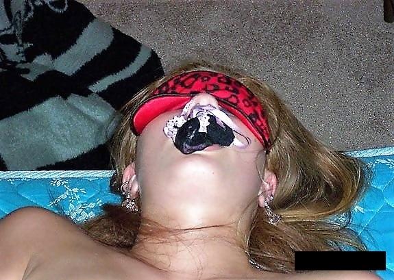 【パンティー咥えエロ画像】ドマゾな女子に自分のマン汁まみれのパンティー咥えさせながら調教セックスさせたったパンティー咥えのエロ画像集です!ww【80枚】 66
