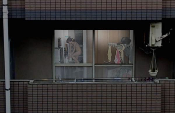【窓盗撮エロ画像】一人暮らしのJDやOLたちの着替えやオナニー、入浴やセックスを窓から覗いて隠し撮りしたった窓盗撮のエロ画像集ww【80枚】 06