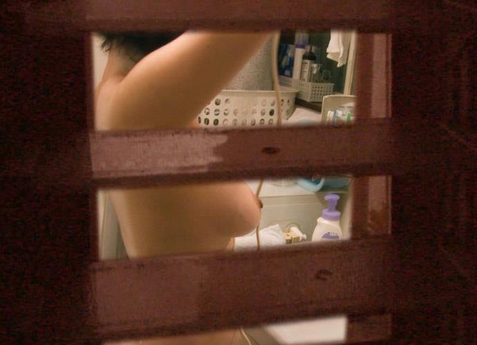 【窓盗撮エロ画像】一人暮らしのJDやOLたちの着替えやオナニー、入浴やセックスを窓から覗いて隠し撮りしたった窓盗撮のエロ画像集ww【80枚】 40