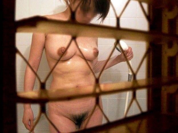 【窓盗撮エロ画像】一人暮らしのJDやOLたちの着替えやオナニー、入浴やセックスを窓から覗いて隠し撮りしたった窓盗撮のエロ画像集ww【80枚】 45