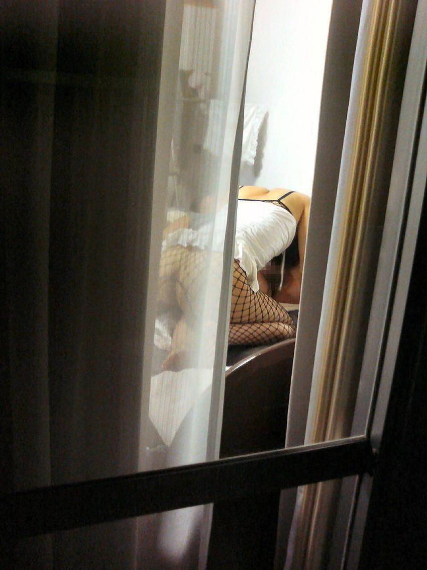 【窓盗撮エロ画像】一人暮らしのJDやOLたちの着替えやオナニー、入浴やセックスを窓から覗いて隠し撮りしたった窓盗撮のエロ画像集ww【80枚】 52