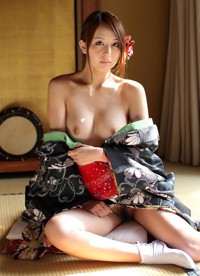 【花魁エロ画像】美し過ぎる着物で着飾ったS級和服美女の花魁が胸チラやご奉仕セックスしてくれる花魁エロ画像集ww【80枚】 46