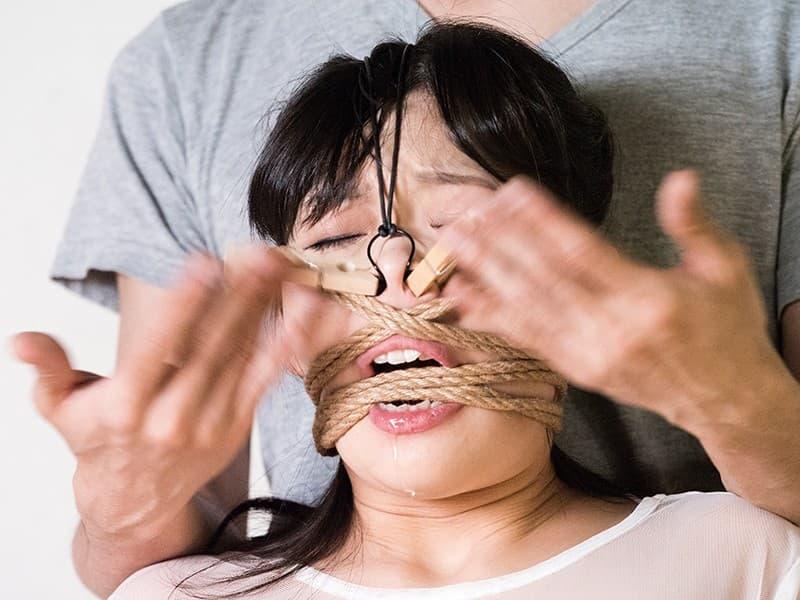 【鼻フックエロ画像】美女に鼻フック装着させておブスな状態でイラマチオや調教セックスすると興奮する事に気が付いてしまった鼻フックのエロ画像集!ww【80枚】 03