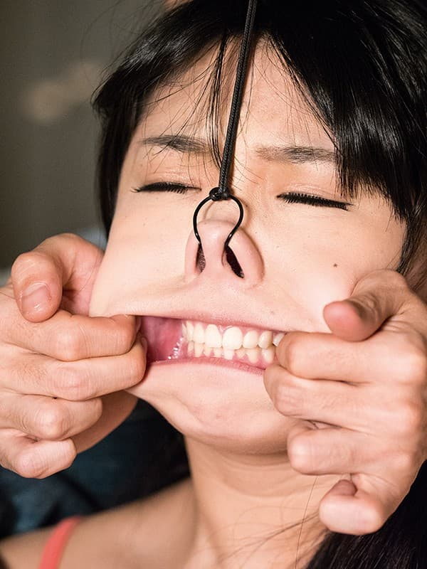 【鼻フックエロ画像】美女に鼻フック装着させておブスな状態でイラマチオや調教セックスすると興奮する事に気が付いてしまった鼻フックのエロ画像集!ww【80枚】 26
