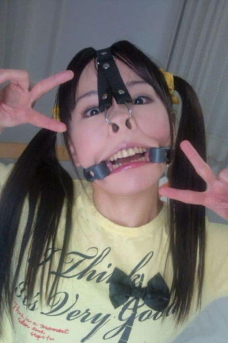 【鼻フックエロ画像】美女に鼻フック装着させておブスな状態でイラマチオや調教セックスすると興奮する事に気が付いてしまった鼻フックのエロ画像集!ww【80枚】 58