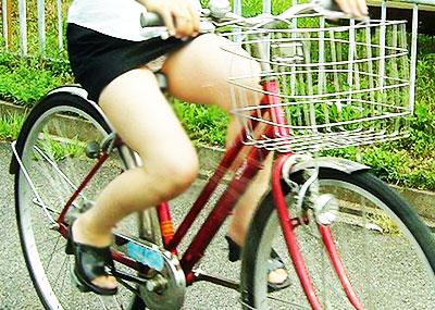 【自転車OLエロ画像】OLスーツのタイトスカートの太ももや美尻、パンチラが堪らなさすぎるOL自転車のエロ画像集!ww【80枚】