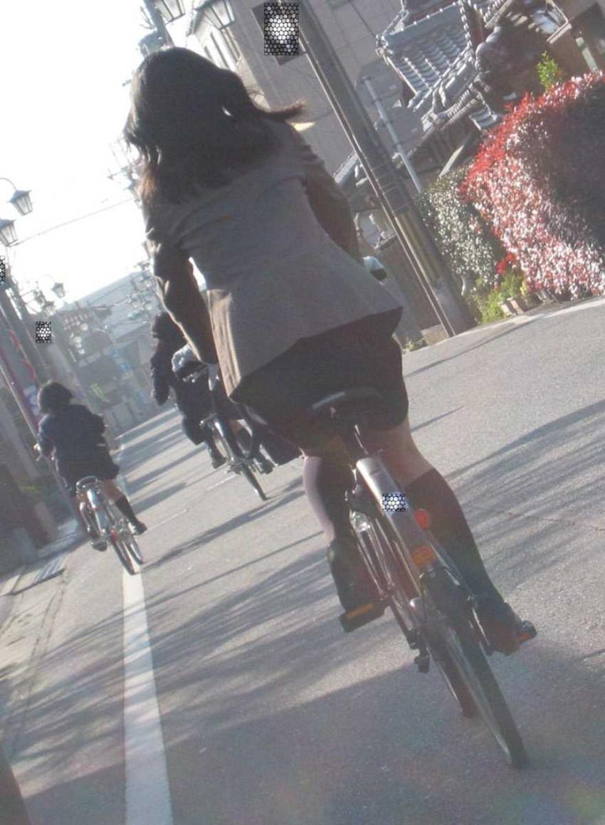 【自転車OLエロ画像】OLスーツのタイトスカートの太ももや美尻、パンチラが堪らなさすぎるOL自転車のエロ画像集!ww【80枚】 79