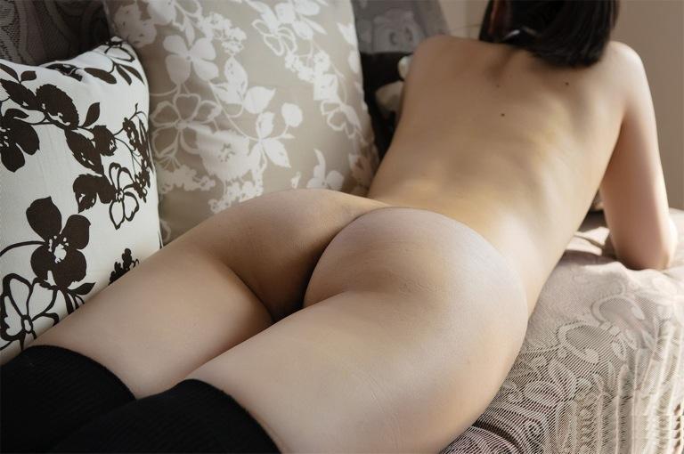【太ももエロ画像】むっちり太ももの美脚美少女にかぶりつきたい!ww尻肉との境目がエロすぎる太もものエロ画像集!ww【80枚】 29