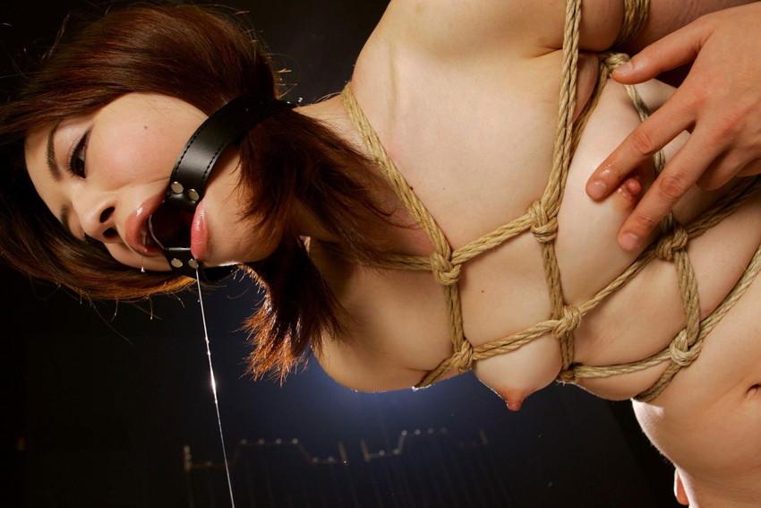 【ボールギャグエロ画像】猿ぐつわ、口枷とも言われるボールギャグでドマゾな女性を唾液まみれにして調教したったボールギャグのエロ画像集www【80枚】 10