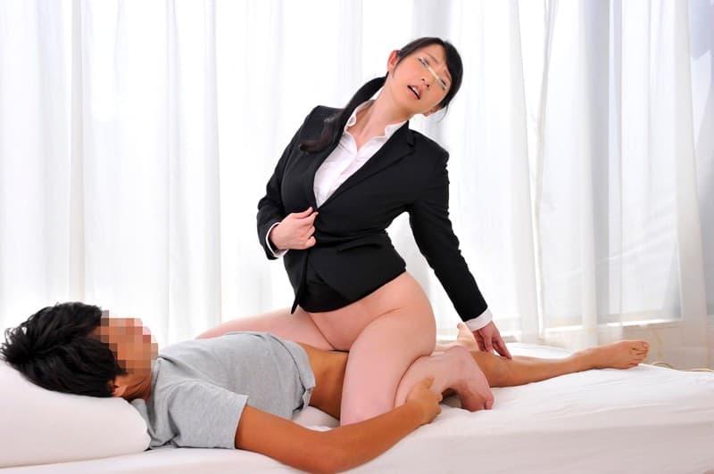 【ビジネスウーマンエロ画像】出張ついでにさらっと枕営業で接待セックスするビジネスウーマンのエロ画像集ww【80枚】 05