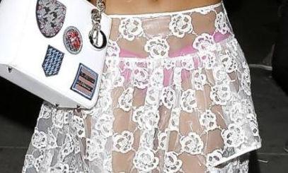【透けスカートエロ画像】スカート透けてパンティー丸見えなのに気づかない素人女子たちの透けスカートのエロ画像集!ww【80枚】 08