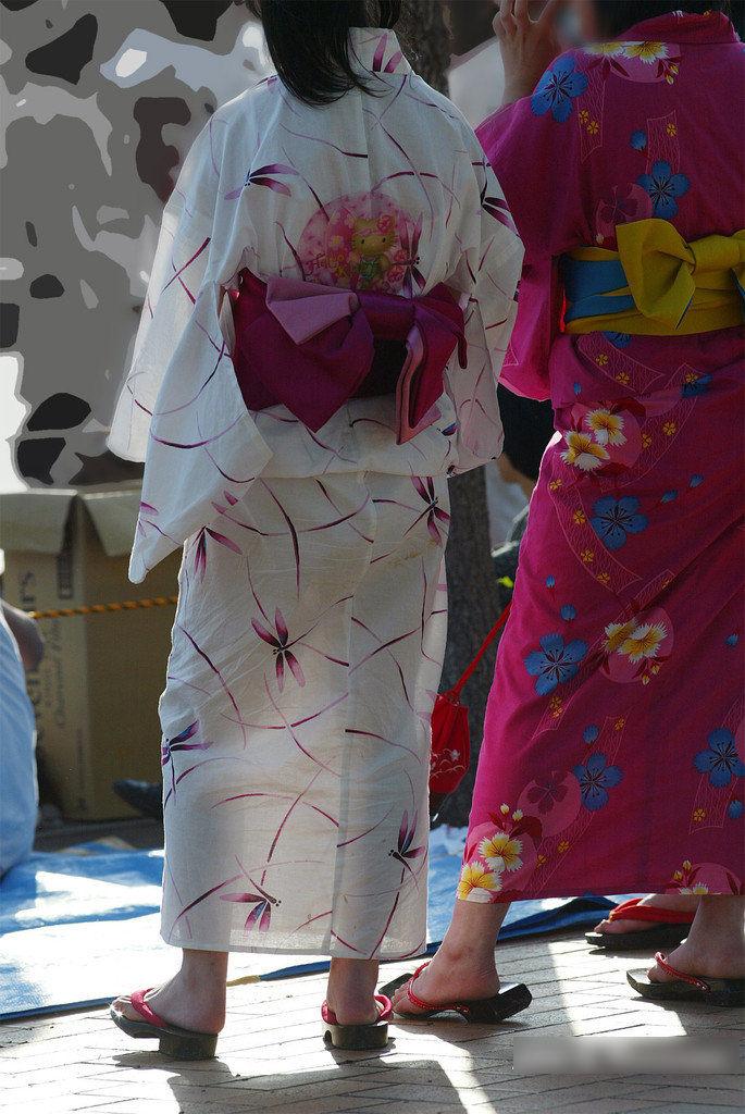 【透けスカートエロ画像】スカート透けてパンティー丸見えなのに気づかない素人女子たちの透けスカートのエロ画像集!ww【80枚】 41