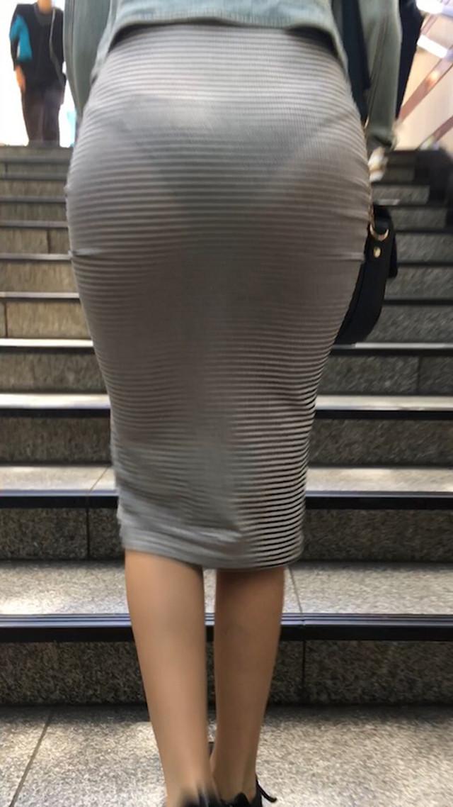 【透けスカートエロ画像】スカート透けてパンティー丸見えなのに気づかない素人女子たちの透けスカートのエロ画像集!ww【80枚】 61