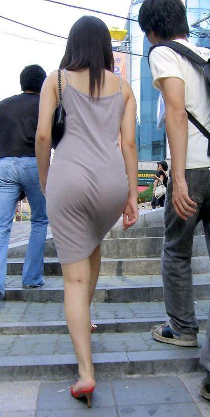 【透けスカートエロ画像】スカート透けてパンティー丸見えなのに気づかない素人女子たちの透けスカートのエロ画像集!ww【80枚】 63