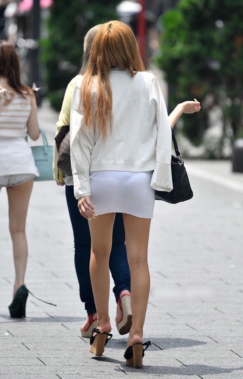 【透けスカートエロ画像】スカート透けてパンティー丸見えなのに気づかない素人女子たちの透けスカートのエロ画像集!ww【80枚】 73